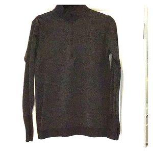 Lulu black pullover